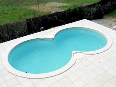 Piscines perpignan fiche de d tail sur la piscines infinitie au magasin de perpignan 66 - Couverture piscine tendue perpignan ...